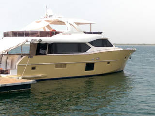 Single hull - motor yacht